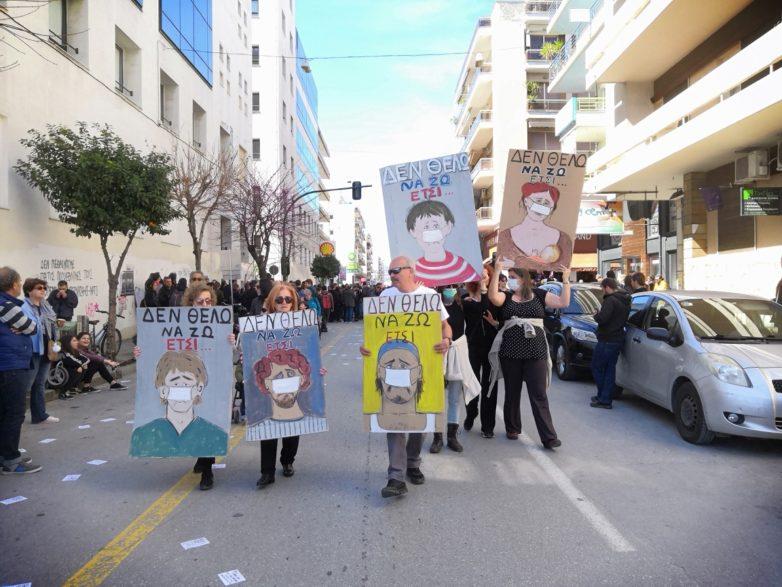 Χιλιάδες πολίτες του Βόλου είπαν όχι στην καύση RDF σε ογκώδες συλλαλητήριο