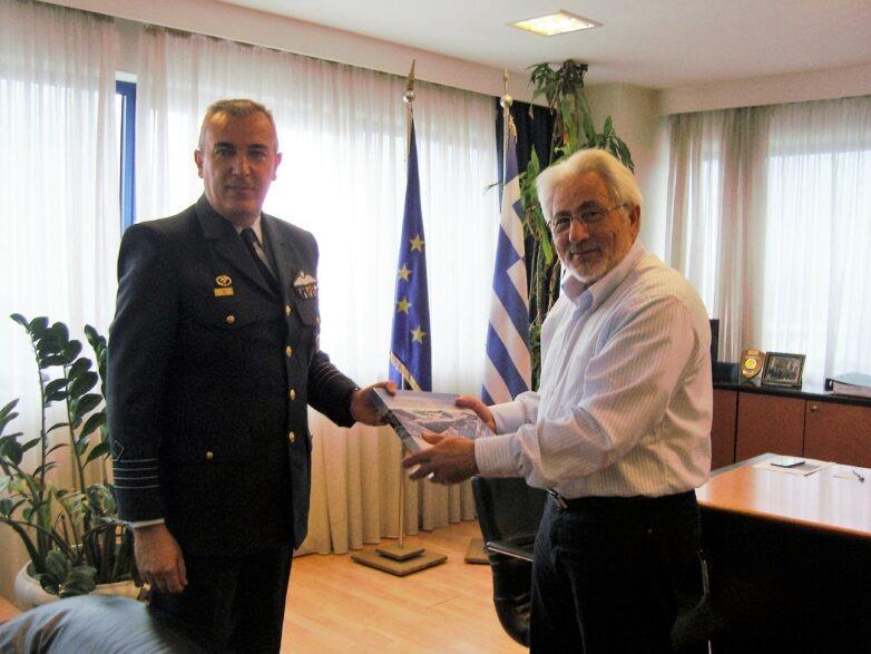 Εθιμοτυπική επίσκεψη του νέου διοικητή της 110 Πτέρυγας Μάχης στoν συντονιστή Αποκεντρωμένης Διοίκησης Θεσσαλίας – Στερεάς Ελλάδας