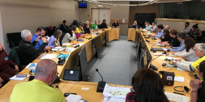 Κινήματα κατά της Καύσης στη διεθνή συνάντηση στο Ευρωπαϊκό Κοινοβούλιο