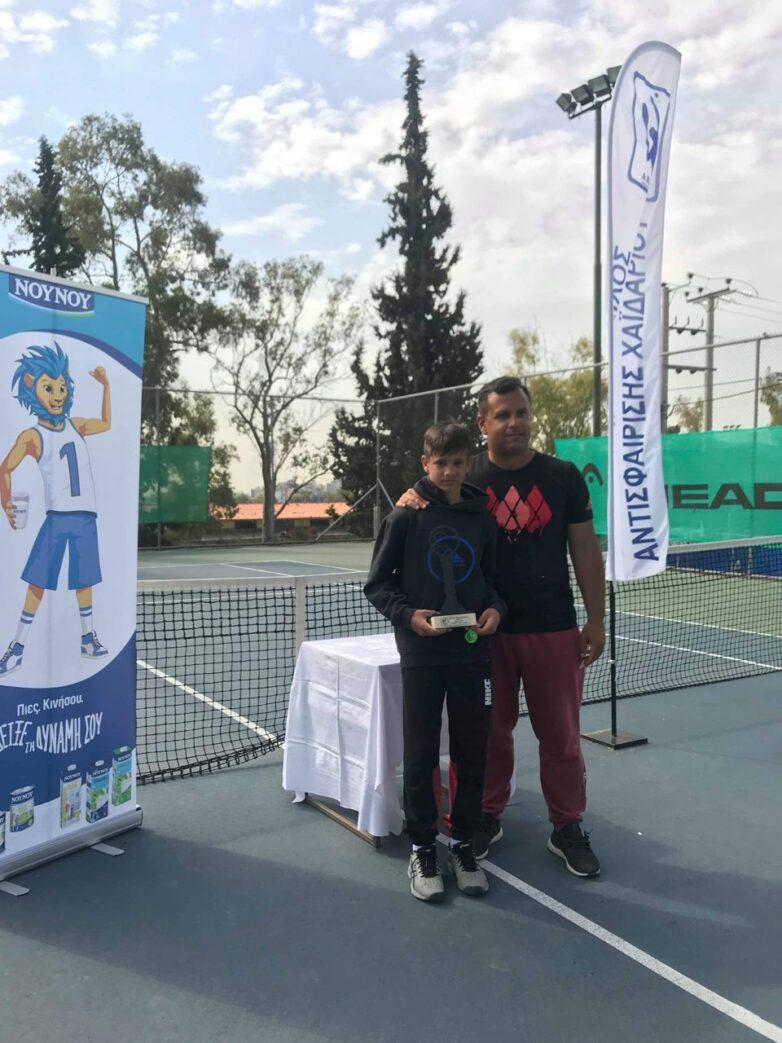 ¨Χρυσός¨ ο αθλητής του Ομίλου Αντισφαίρισης Μαγνησίας Κωνσταντίνος Καρπούζας