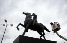 Αποκαλυπτήρια για το άγαλμα του Μεγάλου Αλεξάνδρου στο κέντρο της Αθήνας