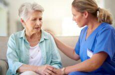 Η μεσογειακή διατροφή, η σωματική και πνευματική άσκηση συμβάλλουν στην πρόληψη του Alzheimer