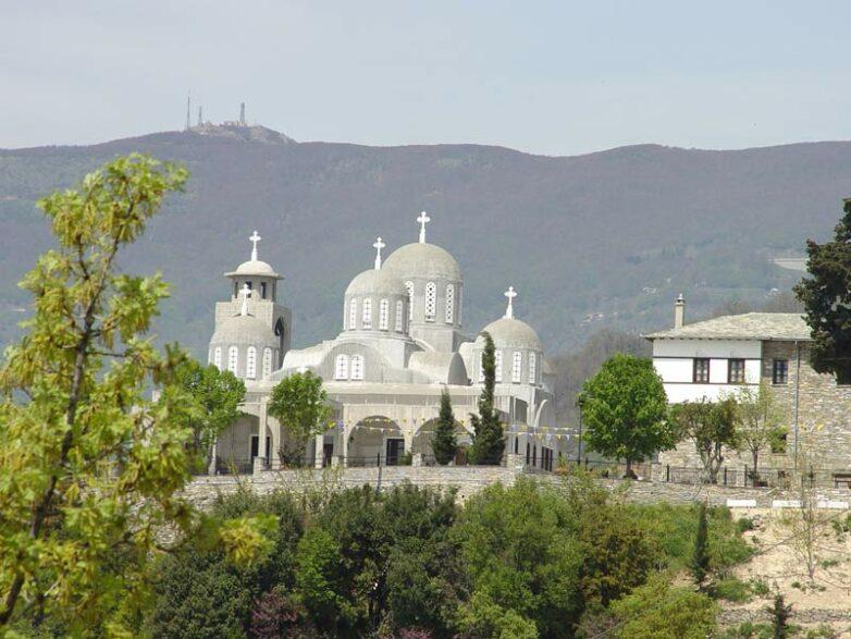 Αποκατάσταση του τρούλου του Παλαιού Καθολικού της Κοινοβιακής Μονής Παμμεγίστων Ταξιαρχών