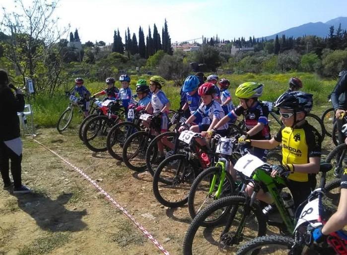 Σε ποδηλατικό αγώνα στο Μαρούσι  η Νίκη Βόλου