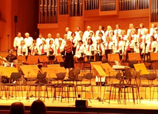 Η Παραδοσιακή Χορωδία της ΙΜΔστο 11οΔιεθνές Φεστιβάλ Μουσικής