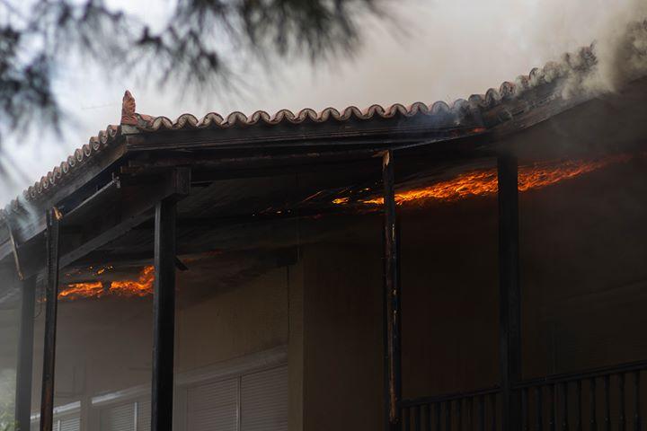 Φωτιά σε αποθήκη στα Κάτω Λεχώνια