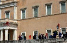Κακουργηματική δίωξη για την επίθεση «Ρουβίκωνα» στη Βουλή