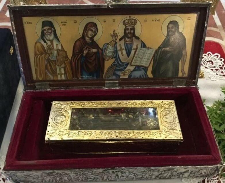 Το άφθορο χέρι του Αγίου Διονυσίου στον Βόλο