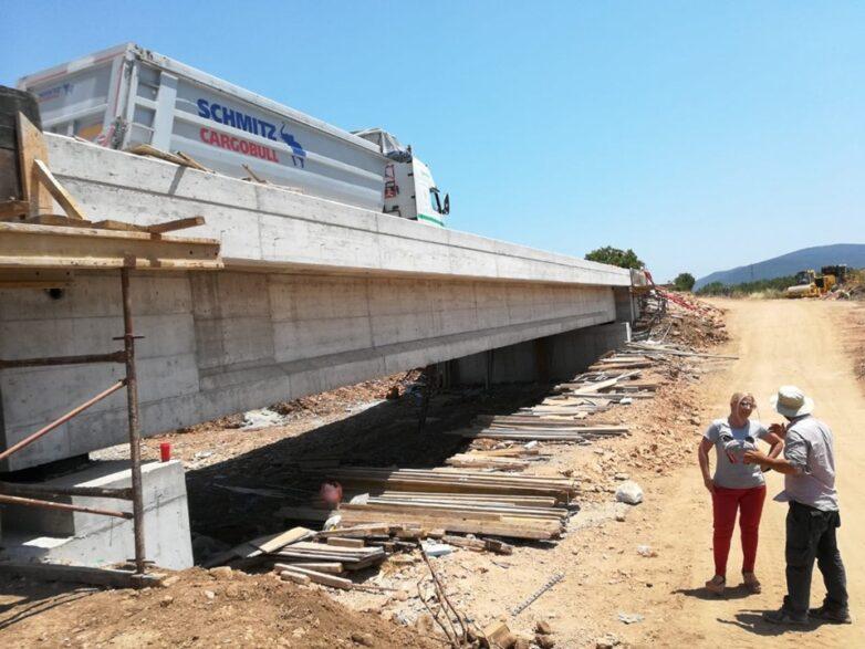 Ολοκληρώνεται η κατασκευή της γέφυρας Πλατανορέματος στον Αλμυρό