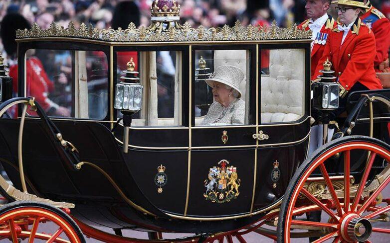 Με επισημότητα γιορτάστηκαν τα 93α γενέθλια της Βασίλισσας Ελισάβετ