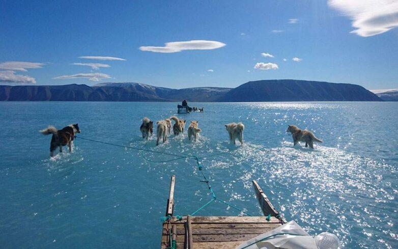 Η φωτογραφία που επιβεβαιώνει τις ανησυχίες για το λιώσιμο των πάγων στη Γροιλανδία