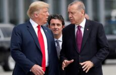 Bloomberg: Σκληρές κυρώσεις κατά της Τουρκίας για τους S-400 εξετάζει η Ουάσιγκτον