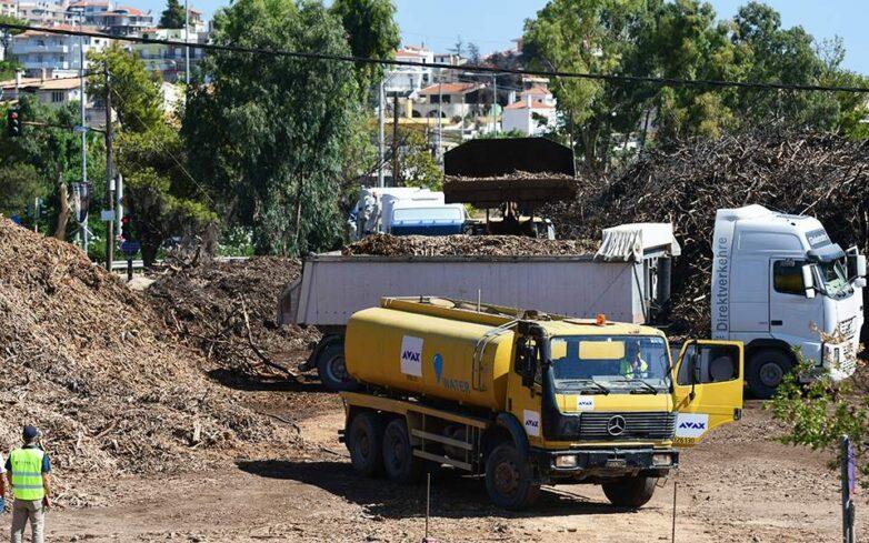 Μάτι: Καθαρίζεται το οικόπεδο «πυριτιδαποθήκη»