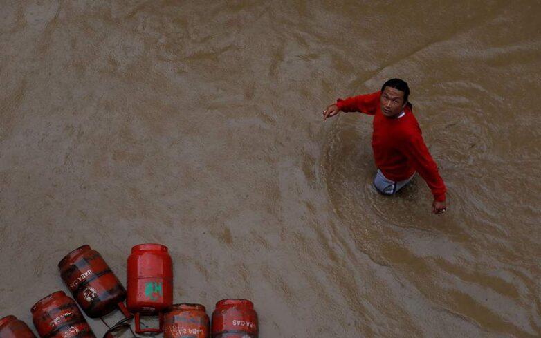 Τουλάχιστον 55 νεκροί και 30 αγνοούμενοι στο Νεπάλ από πλημμύρες