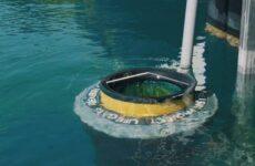 Seabin: Ο πλωτός κάδος που ρουφά τα πλαστικά από τη θάλασσα