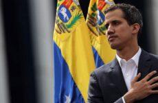 ΥΠΕΞ: Η Ελλάδα αναγνωρίζει τον Γκουαϊδό ως μεταβατικό Πρόεδρο της Βενεζουέλας
