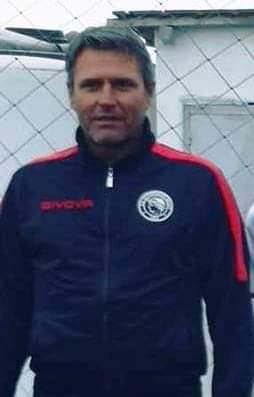 H προπονητική ομάδα στην Ακαδημία Ποδοσφαίρου Ολυμπιακού Βόλου