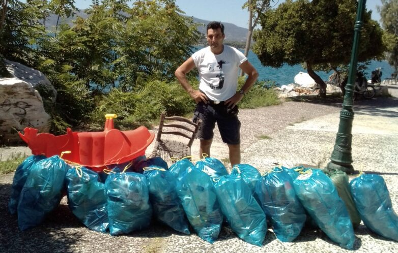Καθαρισμός παραλίας και Αναύρου από τον εθελοντή Αν. Κεχαγιά