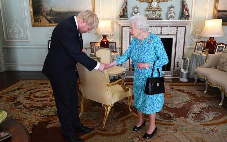 Ενέκρινε το σχέδιο Τζόνσον για αναστολή του Κοινοβουλίου η Βασίλισσα Ελισάβετ