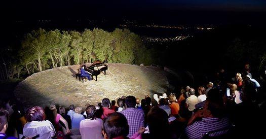 """""""Piano στο Αλώνι"""" του Αγίου Γεωργίου Νηλείας"""