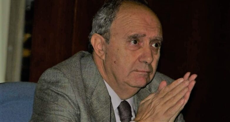 Απεβίωσε ο ιστορικός και πρώην πρόεδρος της Ακαδημίας Αθηνών Κωνσταντίνος Σβολόπουλος