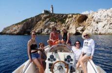 Στο νησί του Παπαδιαμάντη Ρουμάνοι δημοσιογράφοι
