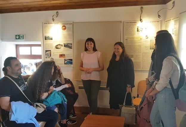 Επισκέψεις σχολείων της Σκοπέλου στην εικαστική έκθεση στο Αρχοντικό Βακράτσα