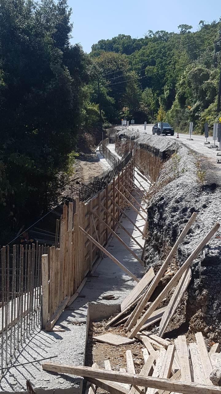 Συνεχίζονται οι εργασίες αποκατάστασης βλαβών του επαρχιακού οδικού δικτύου