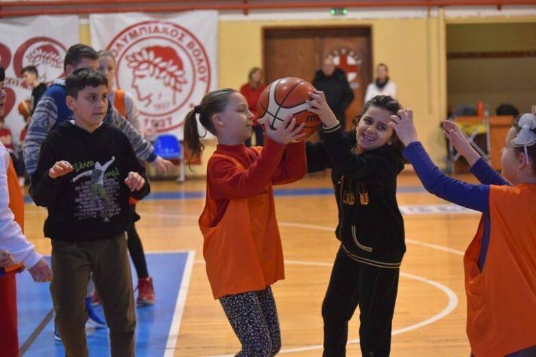 Εγγραφές για αγόρια και κορίτσια 8-16 ετών στο μπάσκετ του Ολυμπιακού