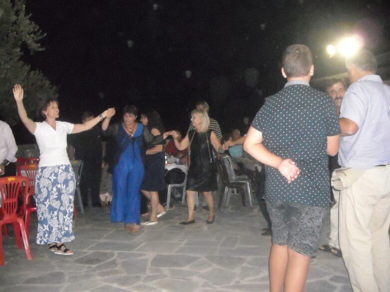 Πλήθος κόσμου απόλαυσε την παραδοσιακή βραδιά στο Παλιούρι