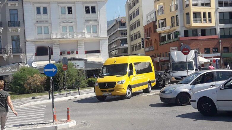 Παραλήφθηκε το ειδικά διαμορφωμένο λεωφορείο για τη μεταφορά των παιδιών του ΕΕΕΕΚ Βόλου