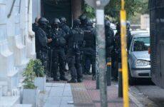 Αστυνομική επιχείρηση σε δύο υπό κατάληψη κτίρια