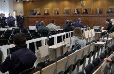 Δίκη Χρυσής Αυγής: Φυλάκιση 8 μηνών με αναστολή σε Μίχο – Λαγό για την επίθεση στο «Συνεργείο»