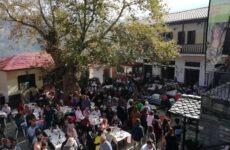 Πλήθος κόσμου στη γιορτή μανιταριού και βοτάνων στη Μακρυρράχη Πηλίου
