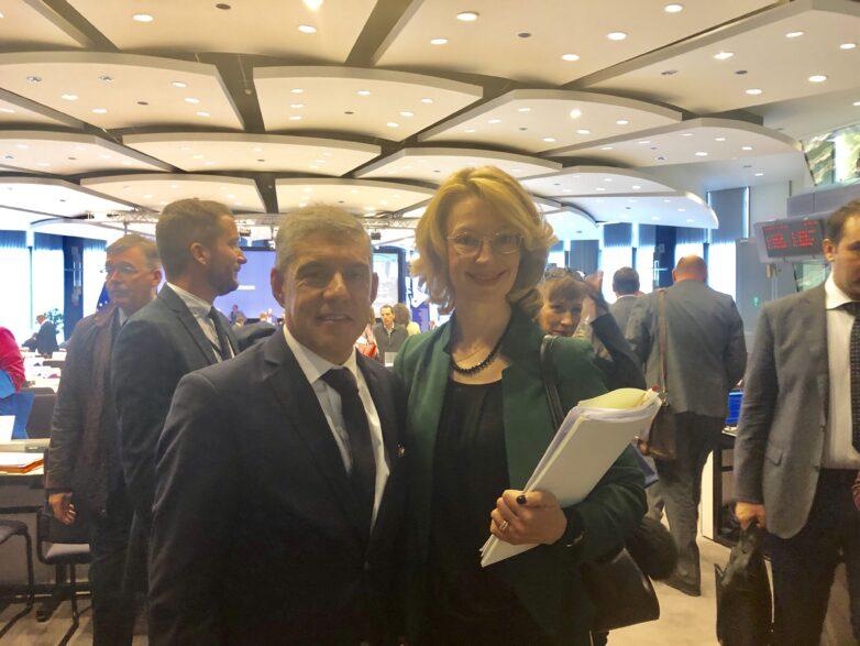 Βιολογική και ηθική αφύπνιση, συνεργασία και προσφοράσε όσους έχουν ανάγκη, το μήνυμα Αγοραστού στις Βρυξέλλες