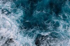 Η ΕΕ αναλαμβάνει 22 νέες δεσμεύσεις για καθαρούς, υγιείς και ασφαλείς ωκεανούς