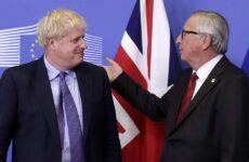 Συμφωνία για το Brexit ανακοίνωσαν Τζόνσον και Γιούνκερ
