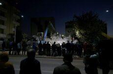 Αλβανία: 21 νεκροί και 15 αγνοούμενοι στα ερείπια