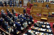 Εκλογή ΠτΔ: Το μήνυμα Μητσοτάκη, η κριτική Τσίπρα και το Σύνταγμα