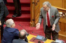 Βουλή: Νέα ένταση από ένσταση αντισυνταγματικότητας του ΣΥΡΙΖΑ – Απορρίφθηκε από όλα τα κόμματα