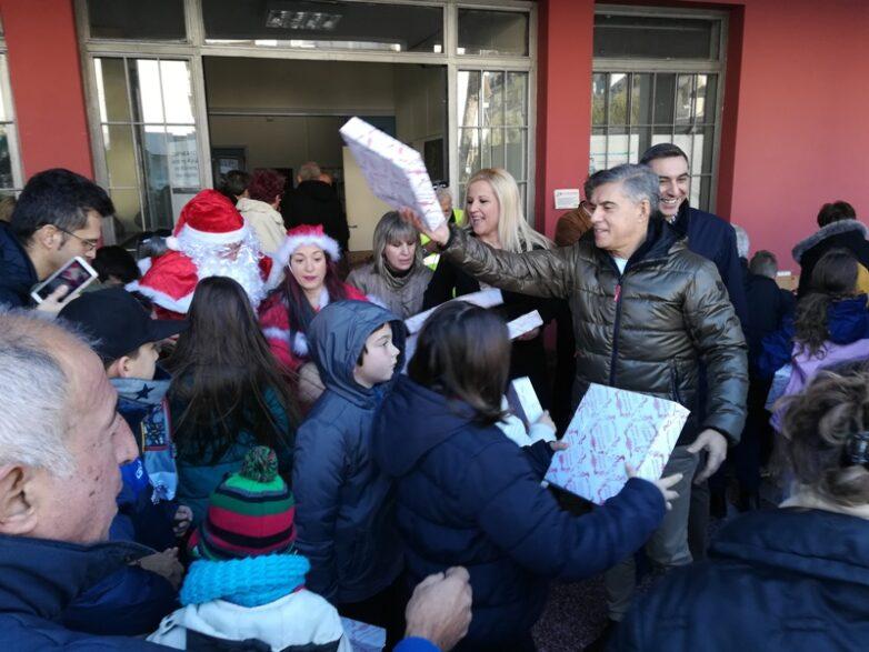 Όμορφο Χριστουγεννιάτικο σκηνικό για τα παιδιά στήθηκε στην ΠΕΜΣ