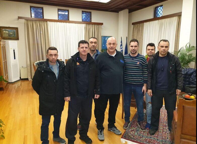 Συνάντηση Αχ. Μπέου-πυροσβεστών