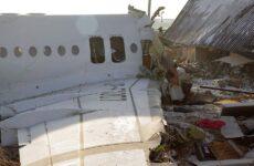Αεροπορική τραγωδία στο Καζακστάν – Νεκρός ο πιλότος και 11 επιβάτες, στα δύο κόπηκε το αεροπλάνο