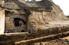 Δρομολογούνται νέες ανασκαφές στην Αμφίπολη
