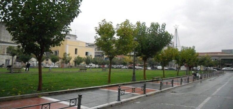 Σε μια σύγχρονη και πράσινη πλατεία μετατρέπεται η Πλατεία Πανεπιστημίου στο Βόλο
