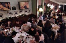 Εορταστικό τραπέζι του τμήματος στίβου της Νίκης Βόλου