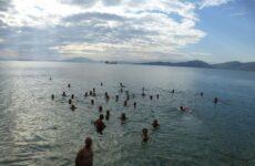 Υποδέχθηκαν το 2020 με γιορτή και κάλαντα στη θάλασσα στον Σύλλογο Χειμερινών Κολυμβητών Βόλου Ιάσων