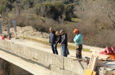 Στις εργασίες κατασκευής της νέας γέφυρας στο Διάσελο Τρικάλων ο περιφερειάρχης Θεσσαλίας
