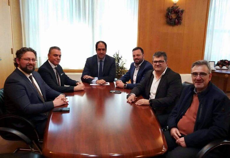 Συνάντηση  μελών του ΔΣ του ΕΟΑΕΝ με τον υφυπουργό Υποδομών και Μεταφορών Γιάννη Κεφαλογιάννη