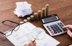 Κόκκινη κάρτα στη φοροδιαφυγή με αυστηρά πρόστιμα και κυρώσεις